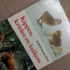 Kippen-hulp-tuinblogger-informatieboekje