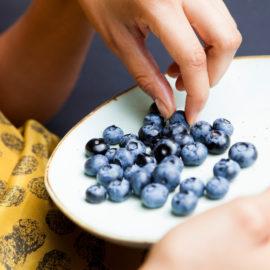 blauwe-bes-eten-bordjes